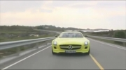 تست Mercedes-Benz SLS AMG E-CELL توسط David Coulthard