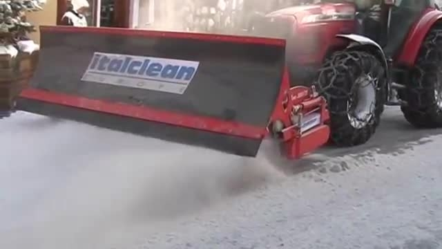 italclean europe runway sweeper airport trattore massey
