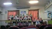 اجرای سرود زیبا همراه با ساز توسط دختران نوجوان