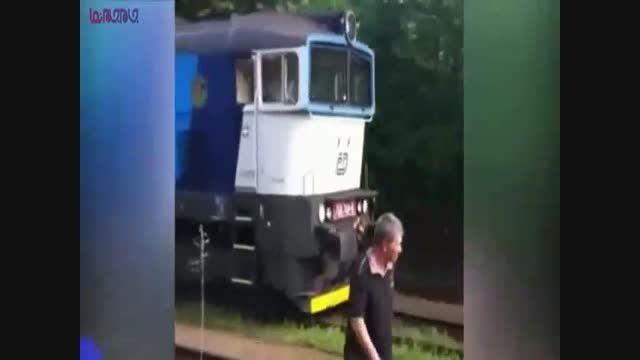 تصادف قطار با اتوبوس_برخورد فیلم ویدیو کلیپ حوادث حادثه