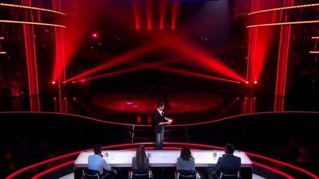 شعبده بازی شگفت انگیز در مسابقه 2015 Got Talent