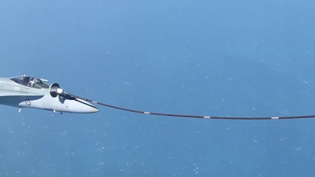 سوختگیری هوایی هورنت های نیروی هوایی سلطنتی استرالیا