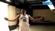 این بسکتبالیسته به نظرتون داره چکار میکنه؟؟