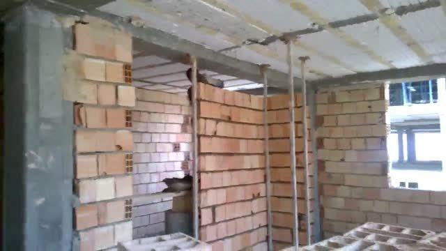 آجرچینی دیوارهای داخلی آپارتمان