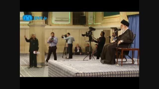 مداحی اهنگران در محضررهبرانقلاب و گریه حاج قاسم سلیمانی
