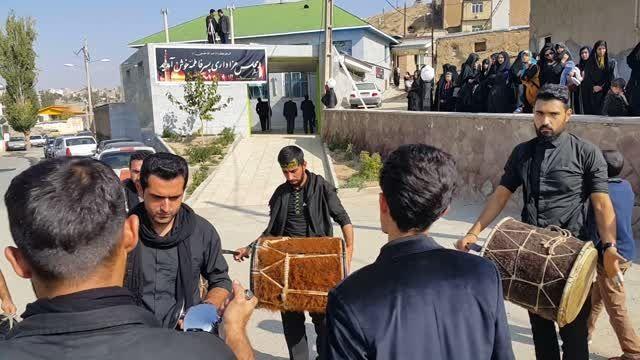 دمام زنی در هیئت روستا وادان شهر آبسرد روز تاسوعا سال94