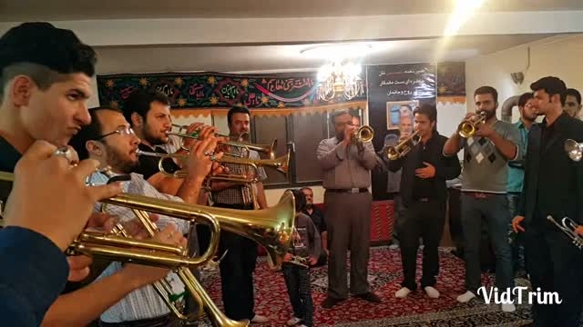 گروه موزیک دماوند اجرا در مسجد حاج رحیم محله قاضی سال94