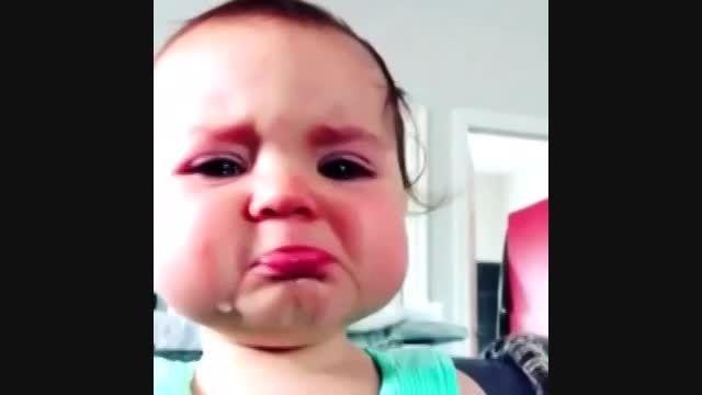 بغض گریه دار یه بچه کوچولو