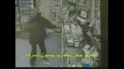 مسلمان شدن یک دزد آمریکایی درمواجهه با نیکوکاری مرد مسلمان