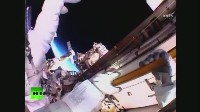 راهپمایی فضایی فضانوردان ایستگاه فضایی 2015