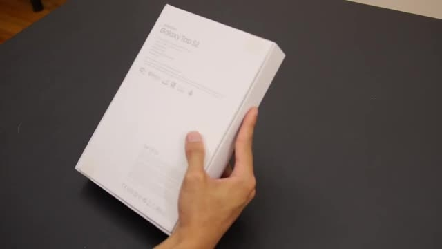 جعبه گشایی و نگاه نزدیک به  Samsung Galaxy Tab S2 9.7