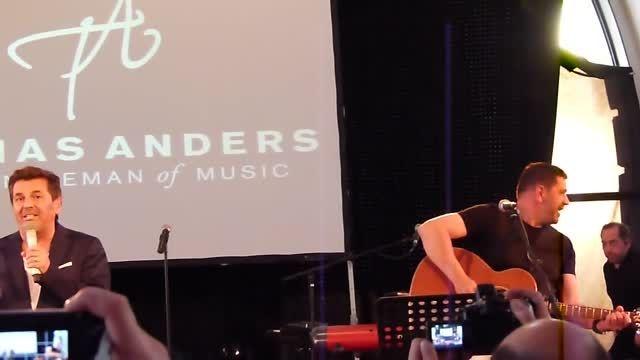 توماس آندرس - اجرای ترانه judy در فن پارتی 2014
