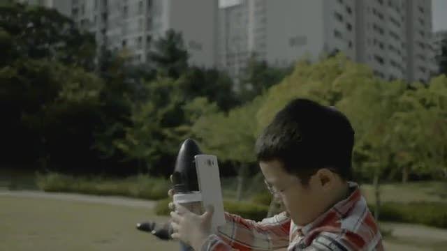 تبلیغ جدید و جالب الجی در رابطه با استحکام گوشی LG V10