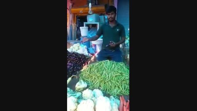 کلیپ بسیار عجیب نمایش قدرت روحی یک مرتاض هندی بر اشیاء