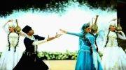ترکی آذری:سودان گلَن سورمه لی قیز