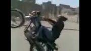 تک چرخ زدن دختر ایرانی با موتور