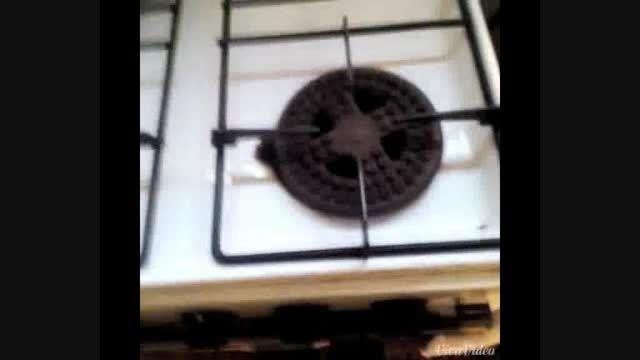 کلیپ خنده دار انفجار اجاق گاز در آشپزخانه!