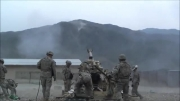 شلیک های واقعا دیدنی توپ خونه ی آمریکایی ها و تخریب مواضع طالبان در قلّه ی کوه