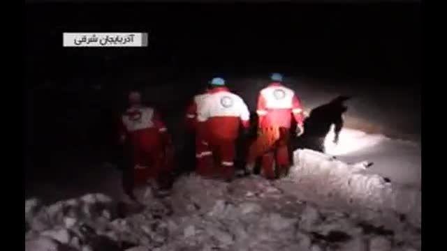 نجات زن باردار گرفتار در کولاک و برف در شهرستان هشترود