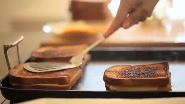 طرز تهیه سوپ و پنیر کبابی