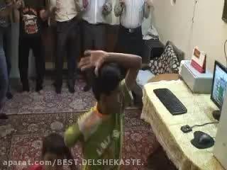 رقص بسیار خنده دار اردکی رقص ..آخر خنده
