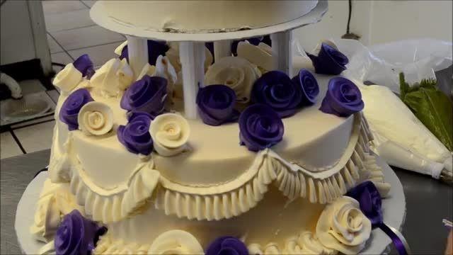اموزش تزیین کیک دو طبقه