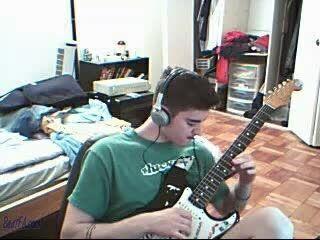 اجرا موسیقی اصیل ایرانی با گیتار الکتریک