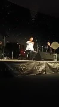 سامی یوسف-اجرای ترانه حسبی ربی با کودک هوادار در لوتون
