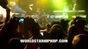pitbull در کنسرت یه نفرو میزنه و به خواندن ادامه میده!!