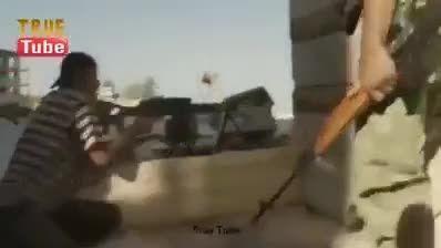 لحظه ی به جهنم رفتن تکفیری توسط تک تیرانداز ارتش سوریه
