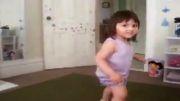 رقص صندق عقب نی نی :D