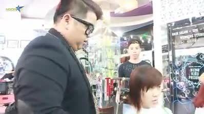 اصلاح موی سر با شمشیر در کشور چین واقعا دیدنی