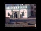 پرتاب گاز اشک اور در مسجد