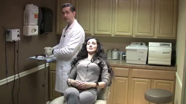 آموزش تزریق ژل لب