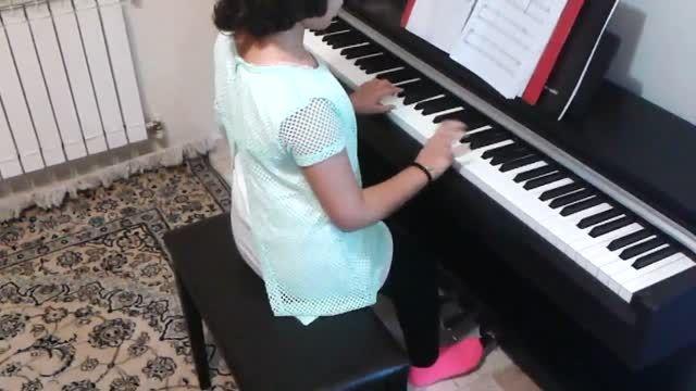 خواب های طلایی نوازندگی پیانو توسط مژده آقادادشی