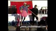 سوتی در شعبده بازی معلق کردن انسان