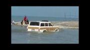آفرود جیپ و عبور از رودخانه