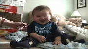 خنده کودک تپل