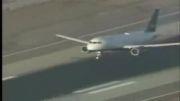نقص در چرخ جلویی هواپیما هنگام فرود