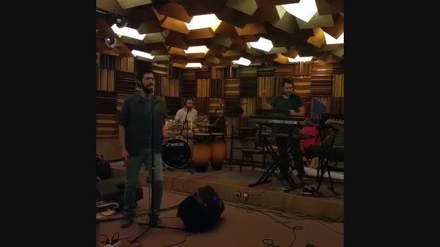 حامد زمانی-تمرین آهنگ مرگ بر آمریکا با سبکی جدید!