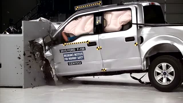 تست تصادف فورد F-150 دوکابین از جلو