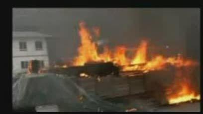شجاعت راننده کامیون جان چند نفر را از مرگ نجات داد