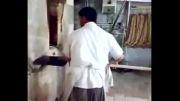 نانوایی که در حین نان پختن می رقصید