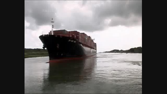 عبور کشتی از کانال پاناما