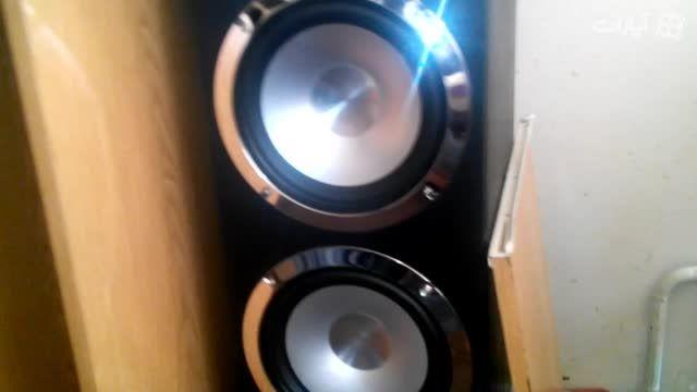 اینم سیستم صوتی اتاقم :|