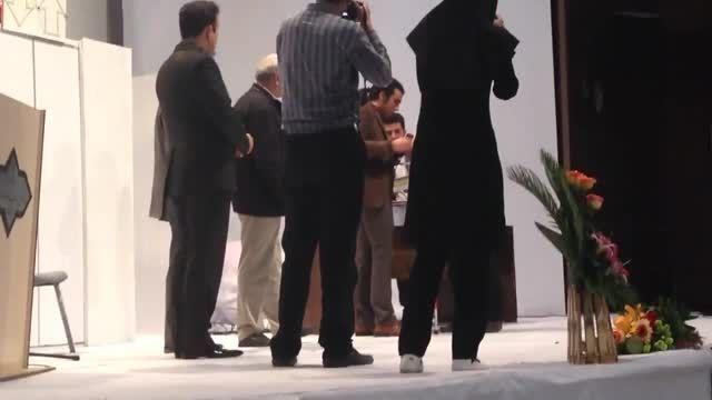 استاد اشکان شاپوری دیپلم افتخار اطلی خانی را اهدا کرد