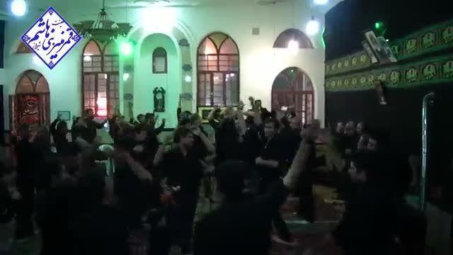 سینه زنی در دوم محرم 94 با مداحی حاج حسن اسدی