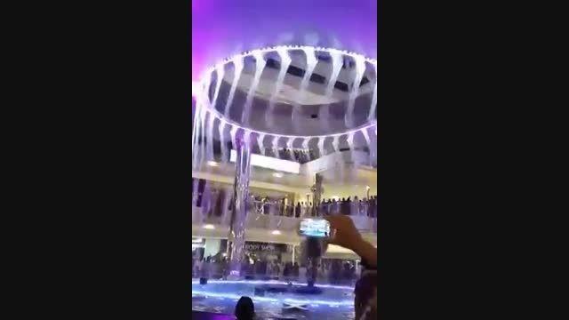 رقص آب, نمایش شگرفی از رقص زیبای قطرات اب