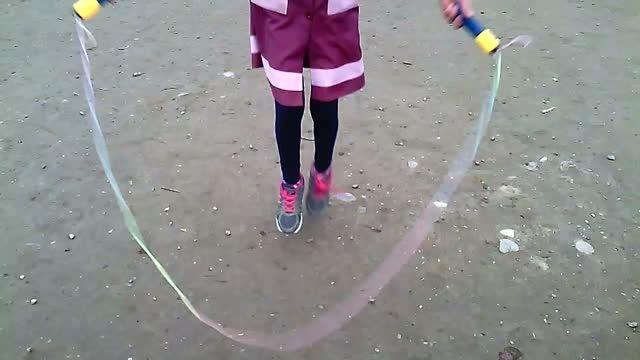 طناب زنی.مدل قیچی(پا باز از جلو) forward straddle