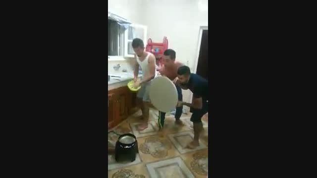 سیب زمینی سرخ کردن پسرا